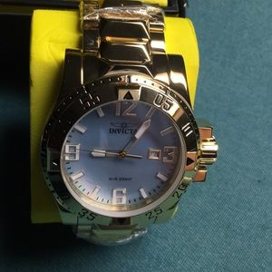 Men's quality watch, New in the box.  Specialty.!!